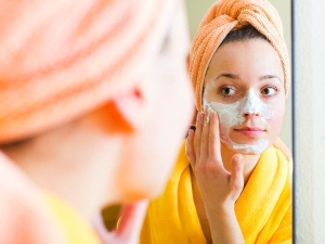 Home Made Besan Face Packs For Skin Whitening