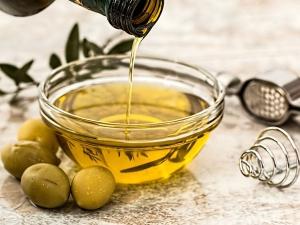 Beauty Tips Olive Oil For Skin Lightening