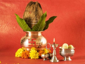 These Puja Items That Should Never Be Kept On The Floor