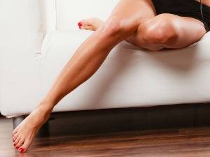 Home Remedies To Get Rid Of Scars And Dark Spots On Legs