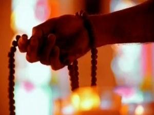 Can Women Chant Gayatri Mantra Why Do We Chant 108 Times