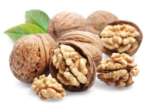 Top Uses Of Walnut For Hair Care
