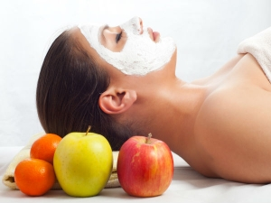 5 Fresh Fruit Face Packs For Glowing Skin