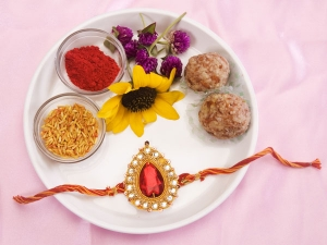 Rakshna Bandhan 2019 Date Time And Significance