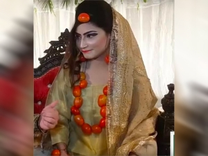 Pakistan Bride Wore Tomatoes Instead Of Jewelry Goes Viral