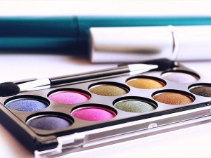 Trend 2019 Warm Eyeshadow Colors For The Winter Parties
