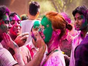 Holi 2020 Meaning And Significance Of Diferent Color