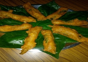 Crispy Batel Leaf Bajji Recipe