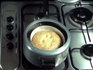 Simple Eggless Cake Prepared In Cooker