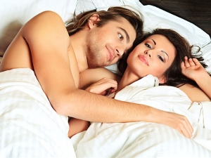 Sleeping Naked With Your Partner Can Help Reduce Stress Boost Self Esteem