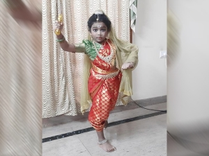 Kids Story Baby Mananya Telling Kittur Rani Chennamma Story