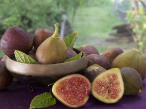 How Figs Help In Fighting Constipation