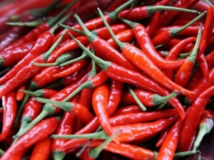 Green Chilli Or Red Chilli Which One Is Healthier Option