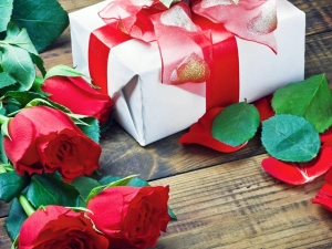Rose Day Gift Ideas For Him Her
