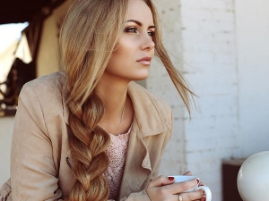 Romantic Hairstyles To Look Stylish On Valentine S Day