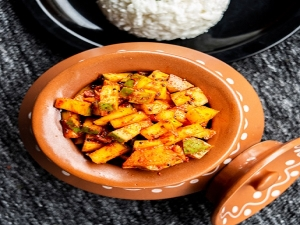 Instant Raw Mango Pickle Recipe In Kannada