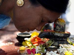 Shani Pradosh Vrat 2021 Date Shubh Muhurat And How To Please Shani In Kannada