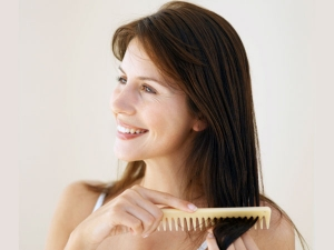 Combing Mistakes That Cause Hair Fall In Kannada